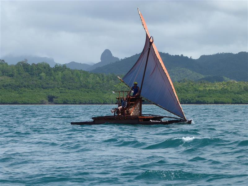 Fijian double canoe 8-2015